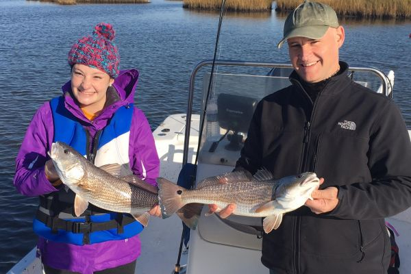family-fishing20ACC0142-1BB7-6B8C-6742-0719E713D99B.jpg